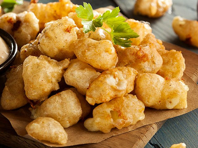 Food-EatsEvents-fried-cheese-curds-04052018.jpg