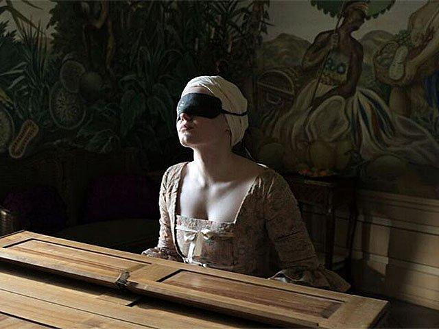 Screens-Mademoiselle-Paradis-04092018.jpg