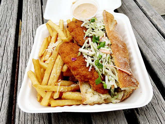 Food-Metropolitain-hot-chicken po-boy-crLindaFalkenstein-05172018.jpg