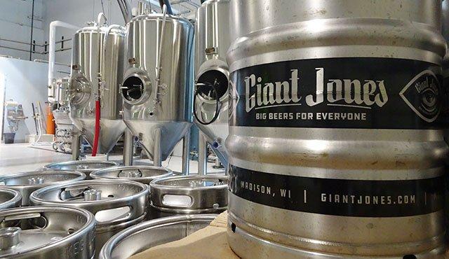 Beer-Giant-Jones-crRobinShepard-06072018.jpg