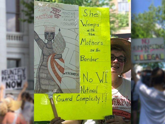 News-Immigrant-Rally-crFeliciaClark-07022018.jpg