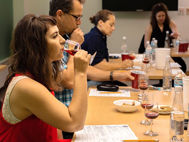 Snapshot-Wine-Competition-crThomasDeVillers-07262018.jpg