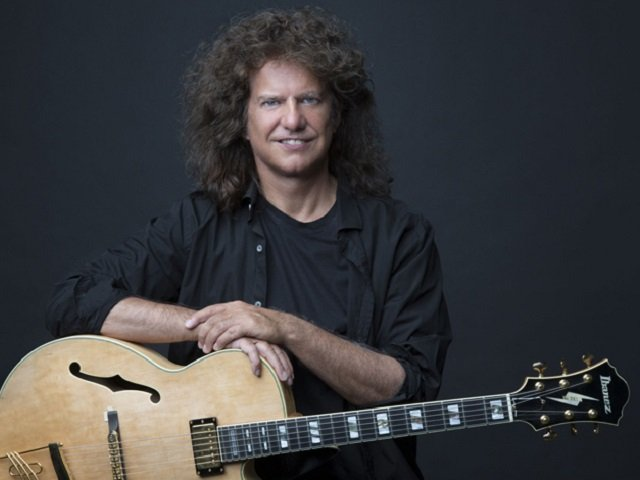 calendar-pat-metheny-2013-jimmy-katz.jpg