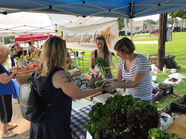 Citizen-Dave-Kriss-Marion-farmers-market_crDaveCieslewicz10252018.jpg