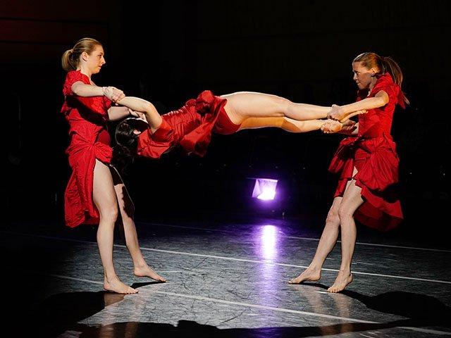 Stage-Li Chiao-Ping-Dolce-Stil-Novo-crJohnManiaci-12202018.jpg