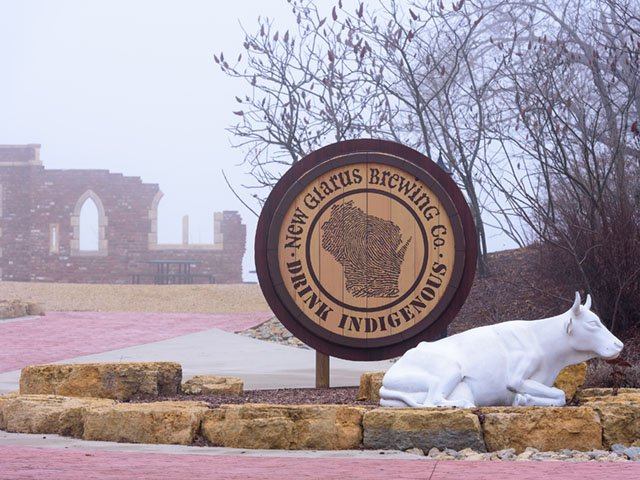 Cover-New-Glarus-Brewing-Co-signage-crJamesGill-01172019.jpg