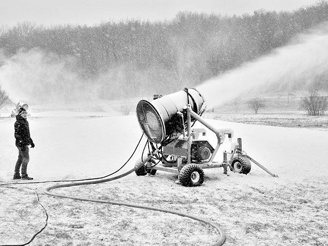 Snapshot-Snowmaking-Elver-park-crMichaelSullivan-01312019.jpg