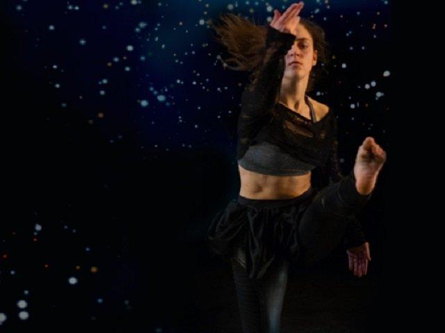 calendar-UW-Dance-winter-rise-cr-Maureen-Janson-Heintz.jpg