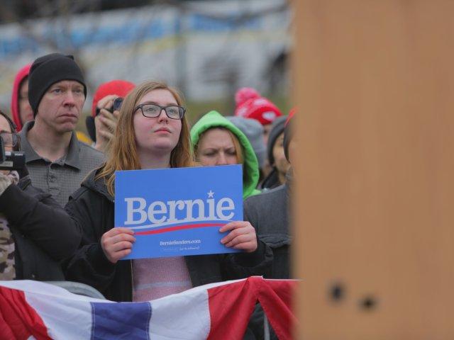 10-News-BernieSupporter-04-cr-KoriFeener-04122019.jpg
