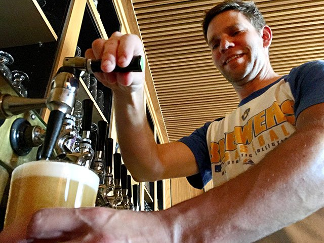 Beer-Right-Bauer-Brewing-Nitro-Latte-crRobinShepard-07182019.jpg