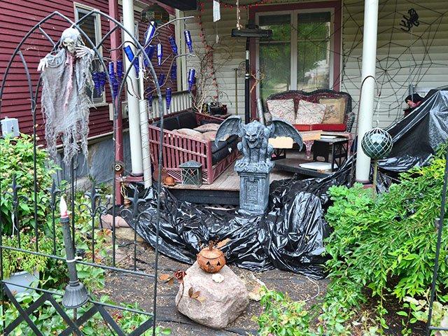 Snapshot-Halloween-House-crDylanBrogan-08012019.jpg