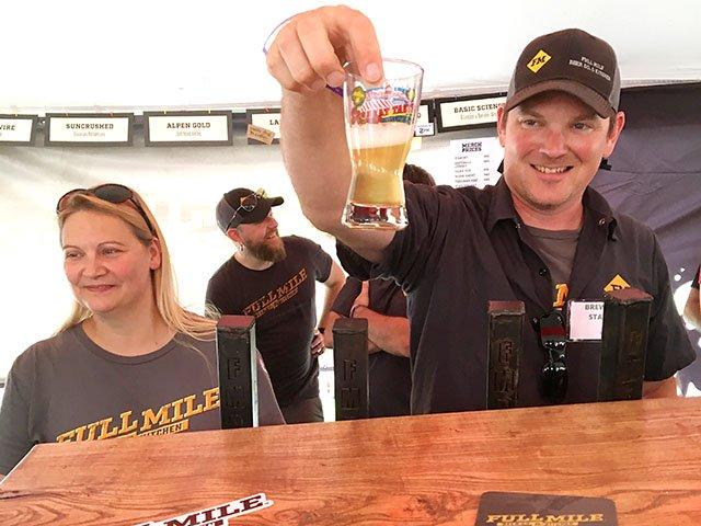 Beer-GreatTasteOfMidwest-FullMileBrewingCo-crRobinShepard-08122019.jpg