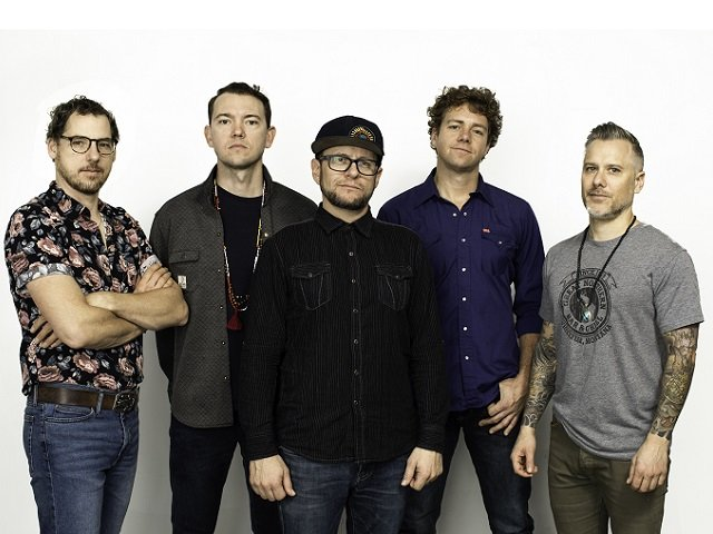 calendar-Infamous-Stringdusters-cr_Aaron_Farrington.jpg