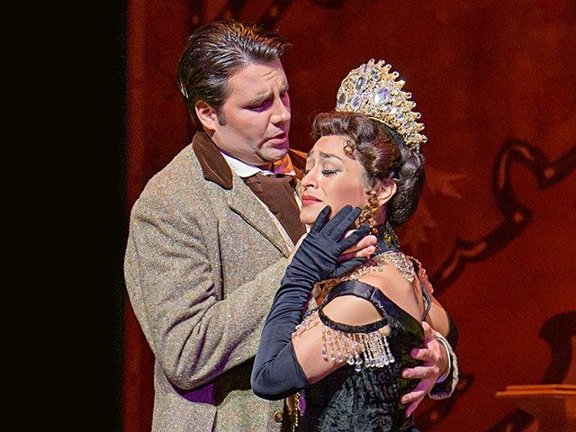 Stage-MadisonOpera-LaTraviata-crJamesGill-11072019.jpg