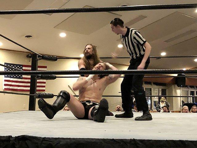 Snapshot-Wrestling-crDylanBrogan-12052019.jpg