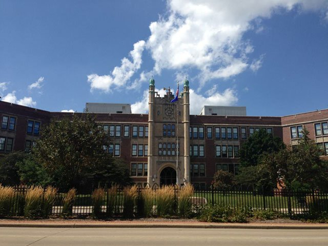 News-Madison-East-High-School-crWikimedia Commons Amarkin2015-12122019.jpg
