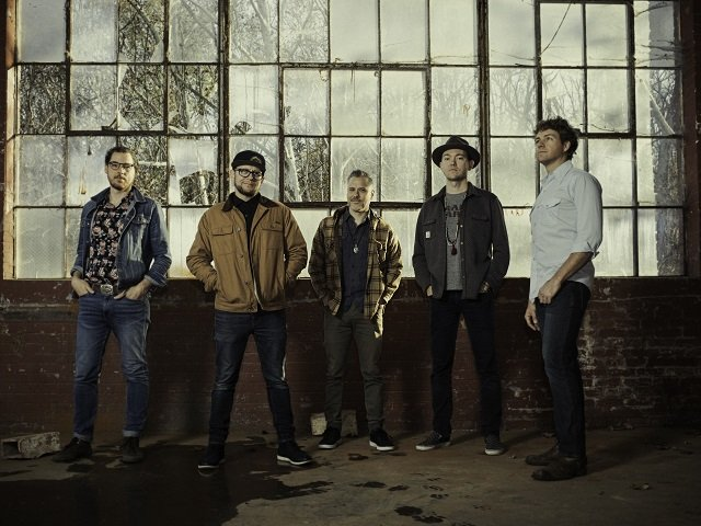 calendar-Infamous-Stringdusters-2-cr-Aaron_Farrington.jpg