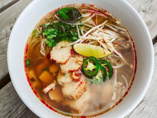 food-chickenpho-ahan-crKeniRosales-08-13-2020.jpg