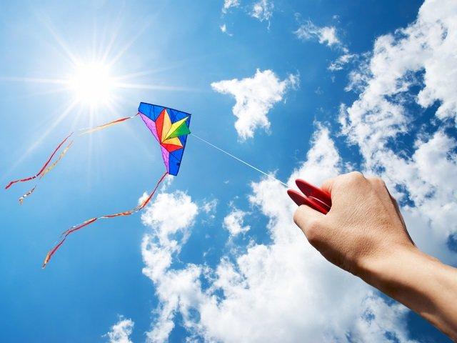 calendar-kite-GettyImages-154170540.jpg