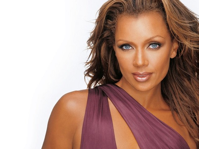 calendar-Vanessa-Williams-cr-Rod-Spicer.jpg