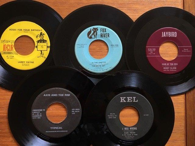 vinyl-cave-wisconsin-45s.jpg