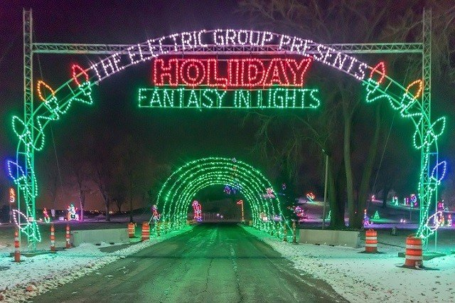 calendar-Holiday-Fantasy-In-Lights-cr-Isthmus-Media-Group.jpg