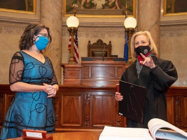 news-Melissa-Agard-swearing-in-cr-Greg-Anderson.jpg
