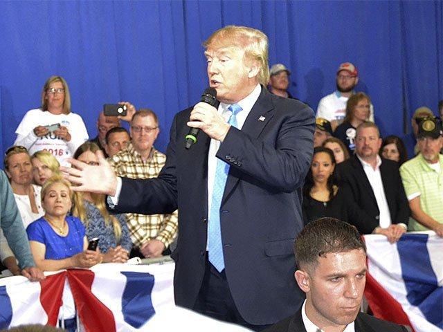 News-TrumpRally-Trump-03302016.jpg