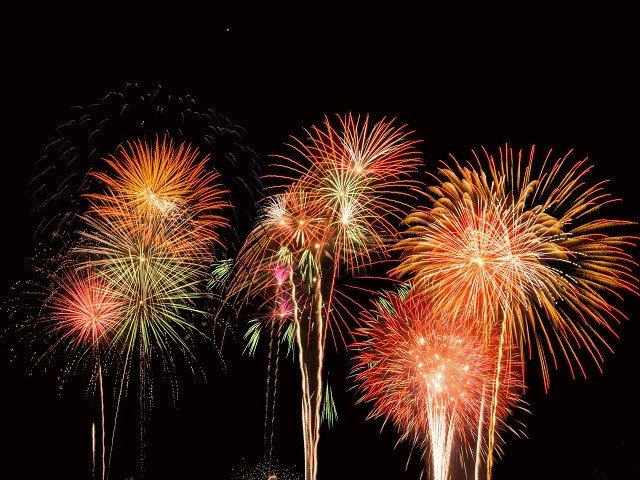 calendar-fireworks-cr-weston-mackinnon-gWG3hqE07ls-unsplash.jpg