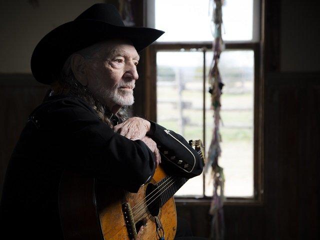 calendar-Willie-Nelson-2021-cr-Pamela-Springsteen.jpg