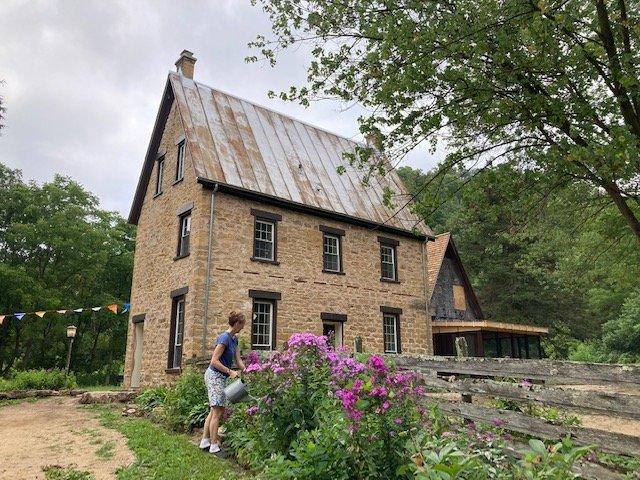 brisbanehouse-exterior-09-09-2021-CRLindaFalkenstein.jpg