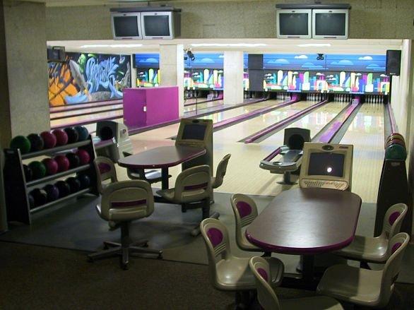 bowling010609a.jpg
