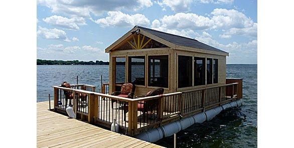 Pontoon Porch Makes For A Party Atop Lake Monona Isthmus